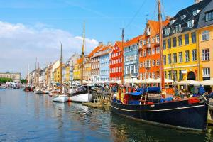 Denmark-City-400x600